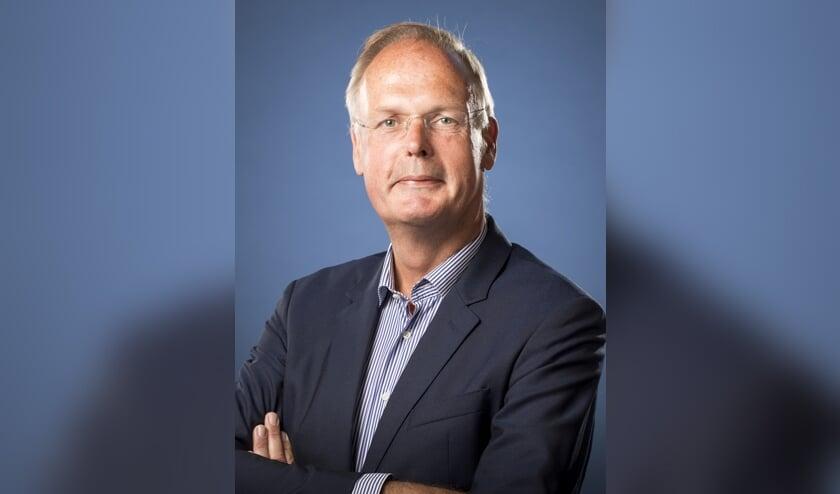 Oud wethouder Bruno van Dunné is vandaag  beëdigd als lid van de Verenigde Vergadering (de 'gemeenteraad') van het Hoogheemraadschap van Rijnland.