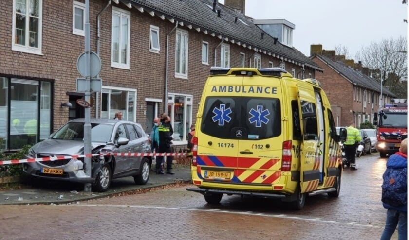 <p>Ravage op de Louise de Colignylaan na een eenzijdig ongeval. Foto: PR</p>