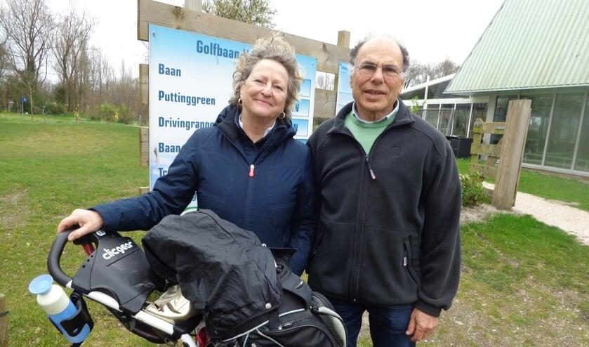 Vrijwilligers van de Golfclub staan klaar om u alles te vertellen over de 9-holes PAR3 baan, de club en de golfschool. Foto: VGC