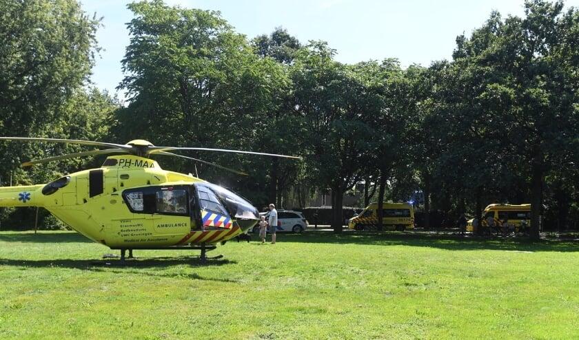 Een traumahelikopter landde vanmiddag aan de Van Beethovenlaan voor een spoedgeval. Foto: Sleutelstad.nl