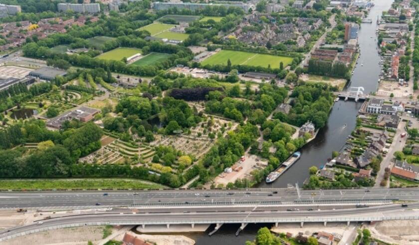 De Rhijnhofweg en Voorschoterweg zijn op 24 en 25 september afgesloten bij A44 viaduct.