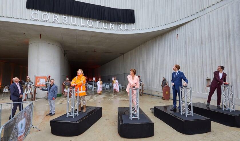 Vanmiddag werd de naam van de tunnel onthuld: Corbulotunnel. Foto's: Vincent Basler