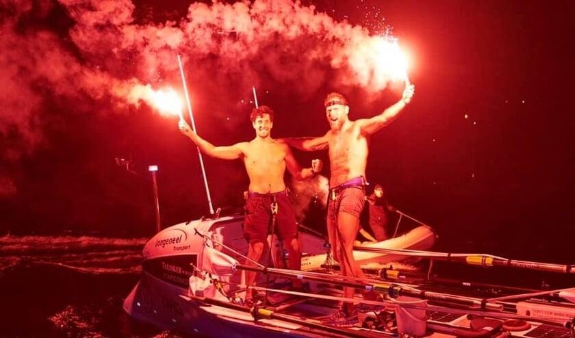 <p>Wassenaarder Mark Slats en Kai Wiedmer uit Rotterdam zetten een nieuw wereldrecord neer in de Atlantic Challenge Roeirace. Foto: copyright Atlantic Campaigns&nbsp;</p>