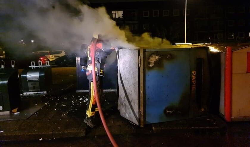 <p>De brandweer rukte vannacht uit voor twee containerbranden</p>