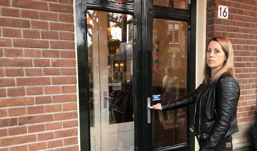 <p>De deuren van Het Wapen gingen vorig jaar dicht. Een hard gelag voor eigenaresse Mariette Mol en haar team. Foto: VSK</p>