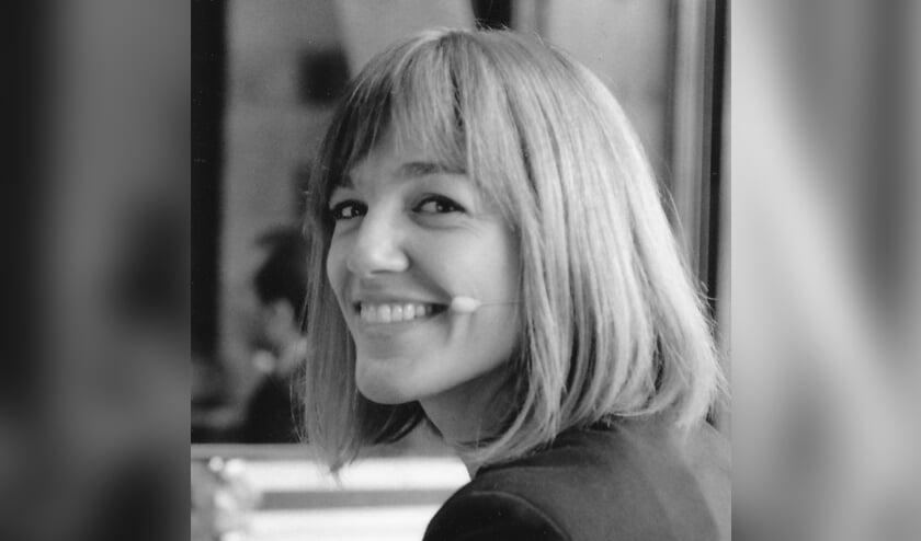 """<p pstyle=""""Body"""">Sophie Looijestijn helpt mensen bij belangrijke momenten na te gaan wat er in ze leeft en daar uiting aan te geven.</p>"""