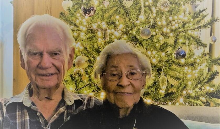 <p>Het echtpaar Van Akker-Bergamin is op 30 maart zestig jaar getrouwd. Een feest zit er nu niet in, dat komt later. Foto: PR </p>