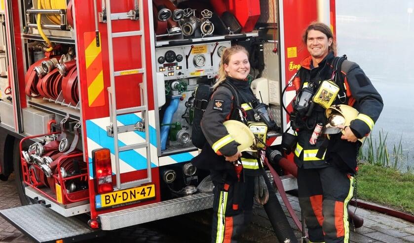 <p>Marloes Bos en Sietse Baars van de vrijwillige Brandweer Voorschoten. Het is &eacute;&eacute;n van de 100 verhalen van de campagne &#39;Mensen Maken Nederland.&#39;</p>