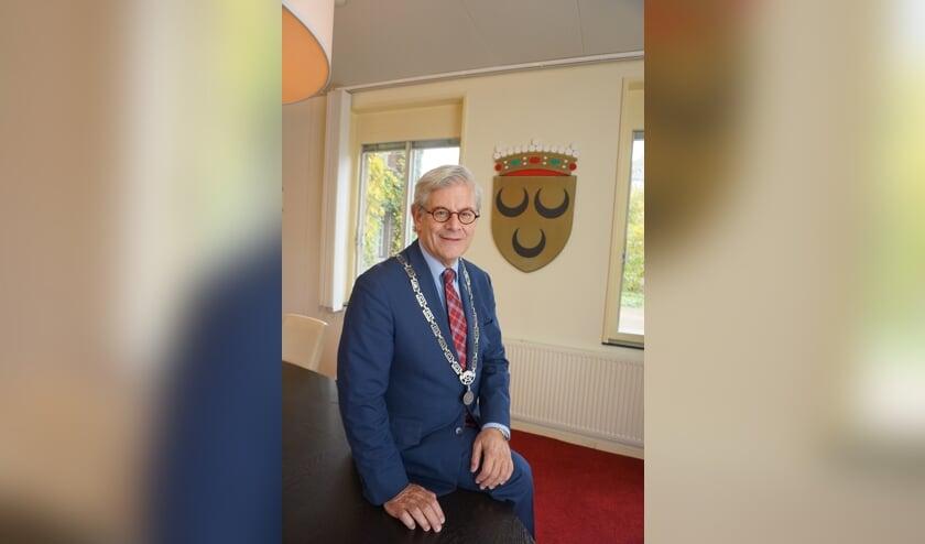 <p>Burgemeester Charlie Aptroot was ruim een jaar waarnemer. Over twee weken wordt hij opgevolgd door Nadine Stemerdink. Foto: VSK</p>