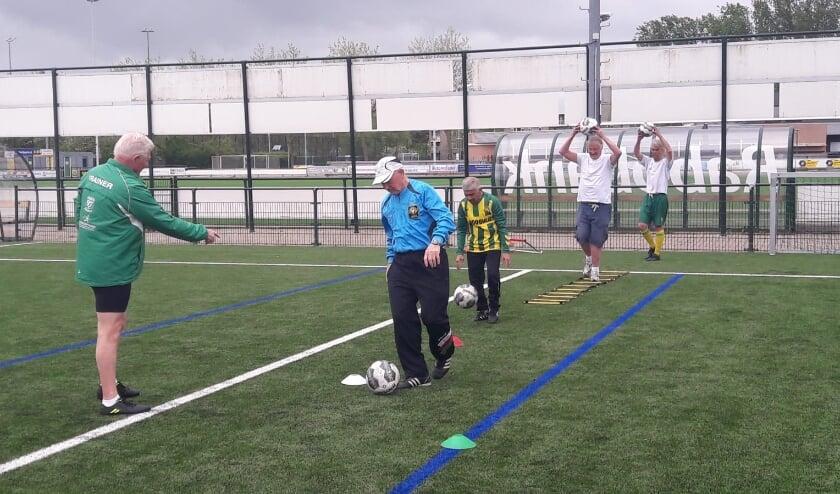<p>De walking footballers mogen weer! Foto: V&#39;97</p>