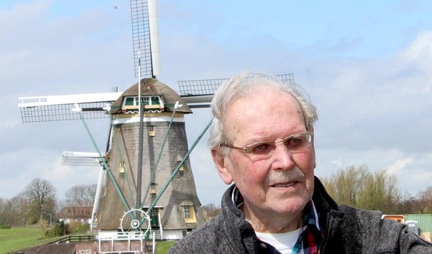 Molenaar Leen Vellekoop bij De Drie Molens (foto/tekst: Dick Janssen).
