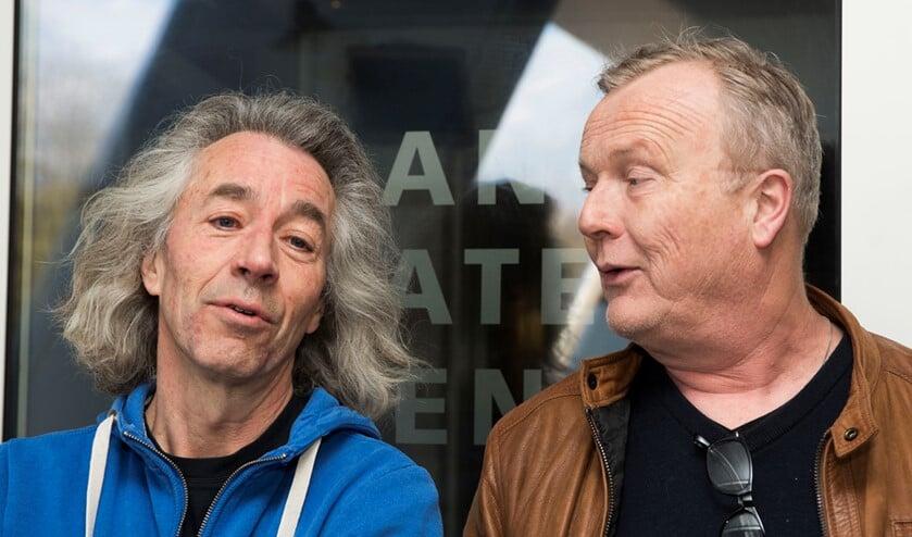 Stef Feld van Toneelgroep Vest (l.) en directeur Rogier Helwig van Theater Ludens (foto: PR).
