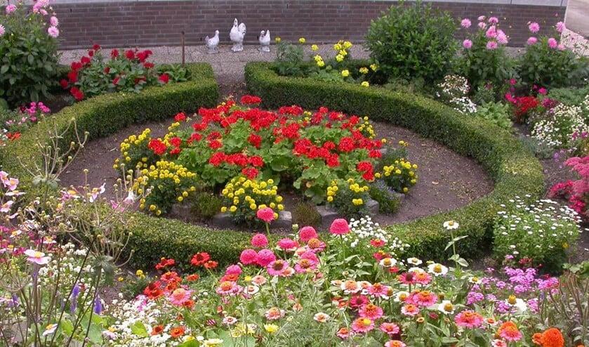Een mooie siertuin met vaste planten (foto: gemeente Leidschendam-Voorburg).