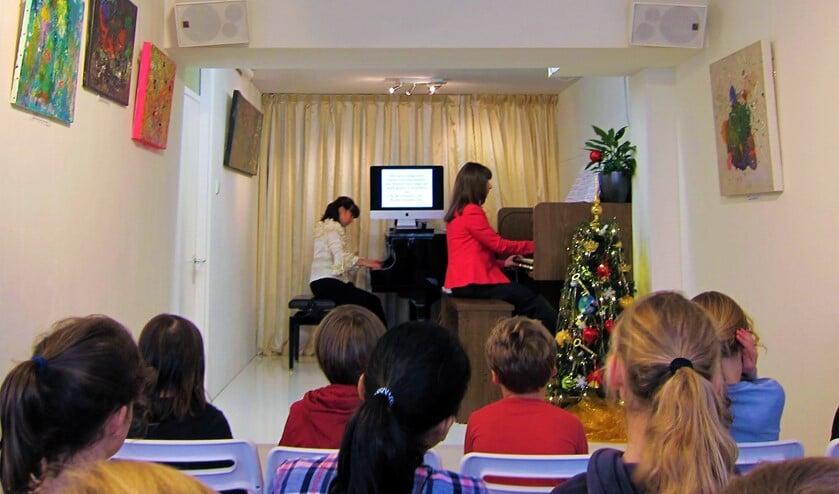 <p>De zussen Askarova geven ook huiskamerconcerten in hun theatertje &#39;t Hart Voorburg (archieffoto).</p>