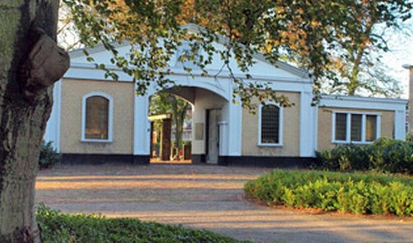 <p>Het poortgebouw van de Algemene Begraafplaats aan de Parkweg in Voorburg (archieffoto).</p>