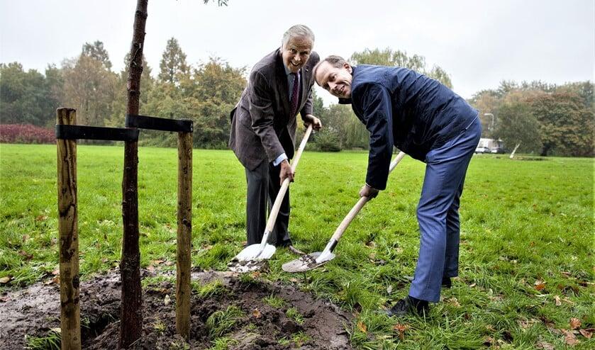 Het kan nog wel even duren voordat daadwerkelijk de eerste schop de grond in gaat in Schakenbosch (tekst: Inge Koot / archieffoto: Hilbert Krane).
