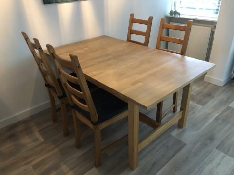 Ikea Eettafel 4 Stoelen.Eettafel Inclusief Vier Stoelen Marktplein
