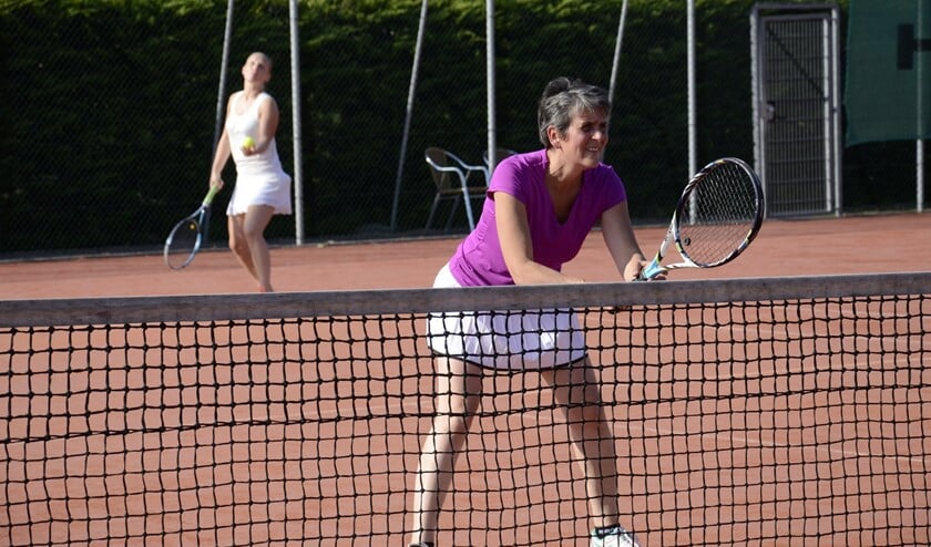 Mocht u na de proeflessen verder willen gaan met tennislessen, dan kunt u zich opgeven voor de zomertraining, die eind maart start.
