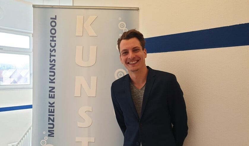 Bart van Egmond biedt muzieklessen aan voor jong en oud.