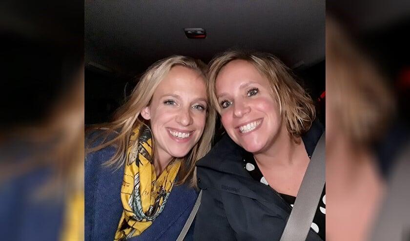 Cynthia en haar lieve zus Lindsey die spontaan een crowdfunding is gestart.