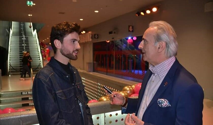 Duncan Laurence in gesprek met popjournalist Martin Reitsma uit Delfgauw. (foto: Els de Wit)