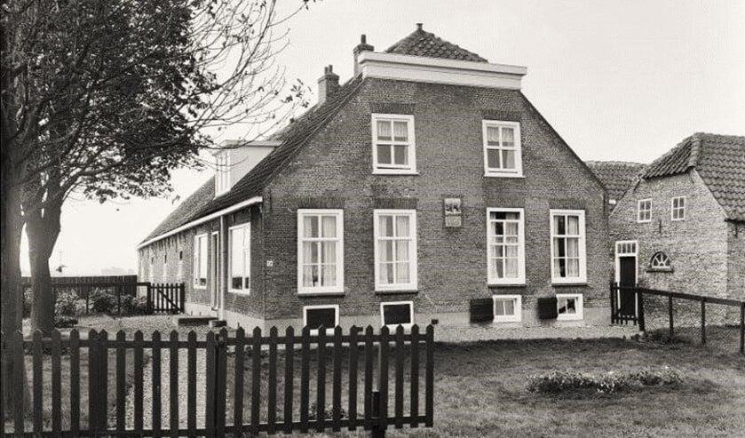 Een van de 92 boerderijen die in het boek worden beschreven: Boerderij De Olyphant van de familie Steeneveld aan de Nieuwkoopseweg.