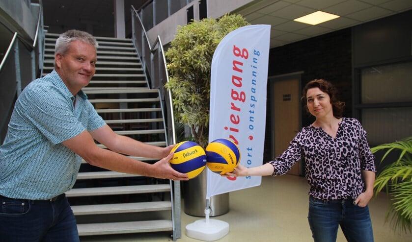 Dominique en Jaap nodigen iedereen uit eens een kijkje te komen nemen bij Netwerk Volleybal.