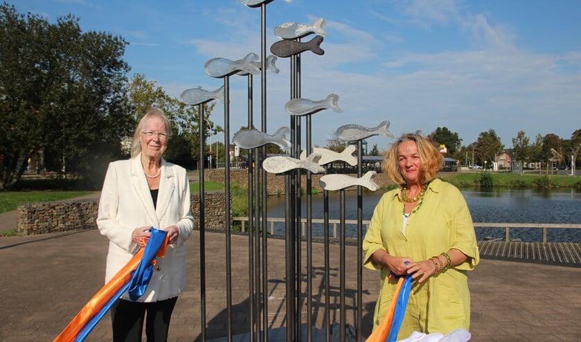 De burgemeester en de kunstenares onthulden woensdag 16 september het beeld.