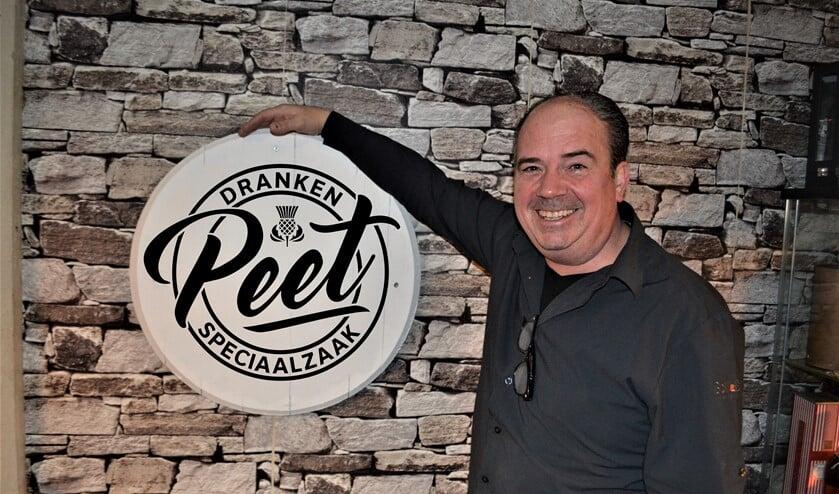 <p>Peter Verbeek van Peet Drankenspeciaalzaak aan de Damstraat in Leidschendam: &quot;Wijn is gemaakt om van te genieten&quot;.&nbsp;</p>