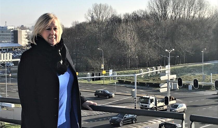 <p>Wethouder Astrid van Eekelen verwacht dat de werkzaamheden aan de N14 kruispunten in 2023 van start gaan (foto: gemeente LV).</p>