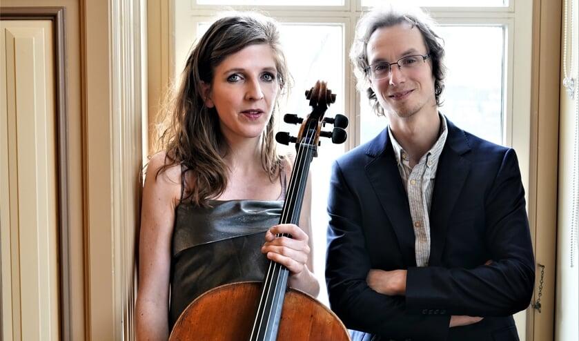 <p>Oud-Leidschendammer Tobias Borsboom (piano) speelt met Lidy Blijdorp (cello) o.a. enkele vertelconcerten zoals De Rechtvaardigen, geschreven en verteld door Jan Brokken (foto: pr).. </p>