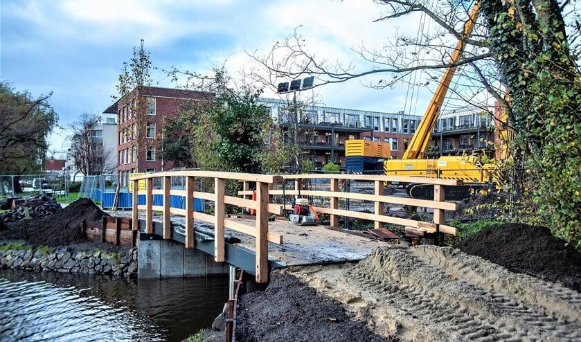 <p>Het nieuwe bruggetje in Park Vreugd en Rust (foto: Michel Groen).&nbsp;</p>