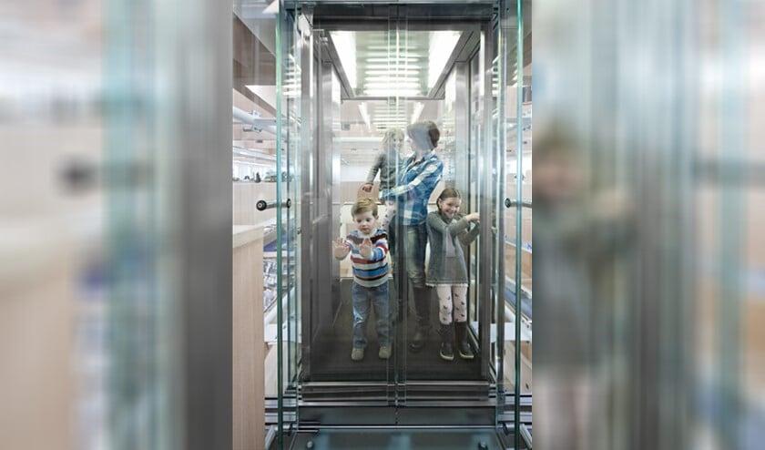 <p>Liften hebben een magische aantrekkingskracht op jonge kinderen.</p>