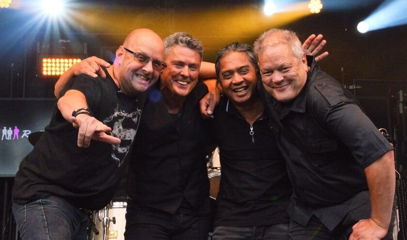 <p>Het entertainment, de professionaliteit en tomeloze energie van deze vier rasmuzikanten maken van elk concert een happening (foto: pr).</p>