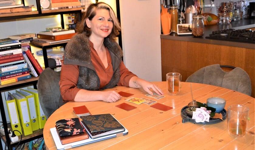 """<p/>Imke Gaiser Verhaeren van coachingspraktijk IMYY is zondag 6 december om 12.20 uur te zien in het RTL4 programma 'Dit is Holland' (foto: Inge Koot). </p>  """">    <h1>Coaching aan de hand van Tarotkaarten geeft inzicht en bewustwording<a rel="""
