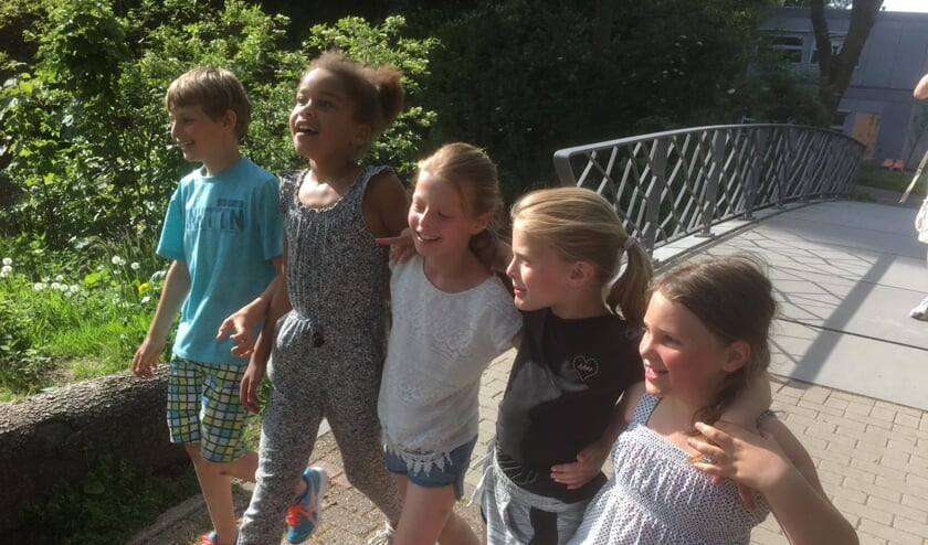 Simon, Thandeka, Marie, Mina en Laura liepen alsnog de vierdaagse.