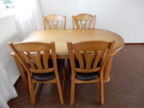 complete blank eiken patine eethoek (tafel met 4 stoelen