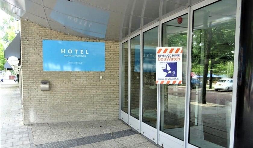 <p>Het hotel aan het Stationsplein toen het nog leeg stond (archieffoto Ap de Heus).</p>