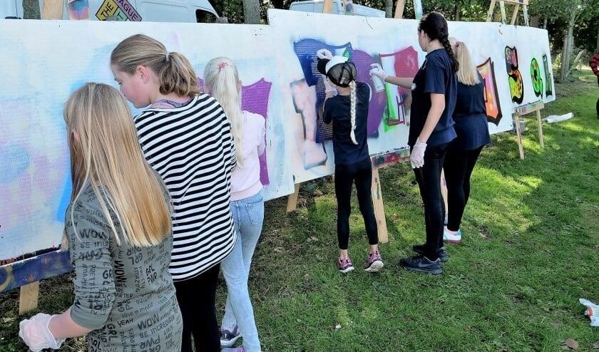 Jeugd kan tijdens een 'Blockjam' bijvoorbeeld graffiti leren spuiten (archieffoto 2018: Ot Douwes).