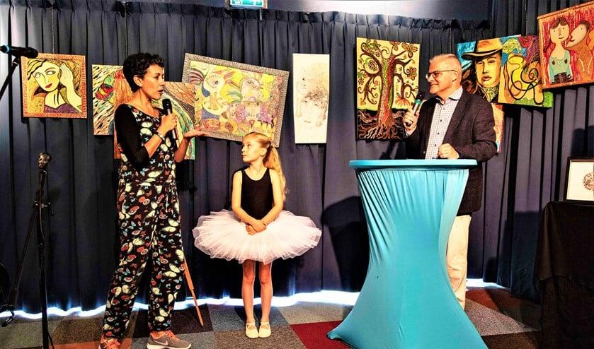 Mira Moreno van Stichting Dans aan de Vliet met danseresje te gast bij het alternatieve Cultureel Zomerfestival (foto: Henk Knoester).