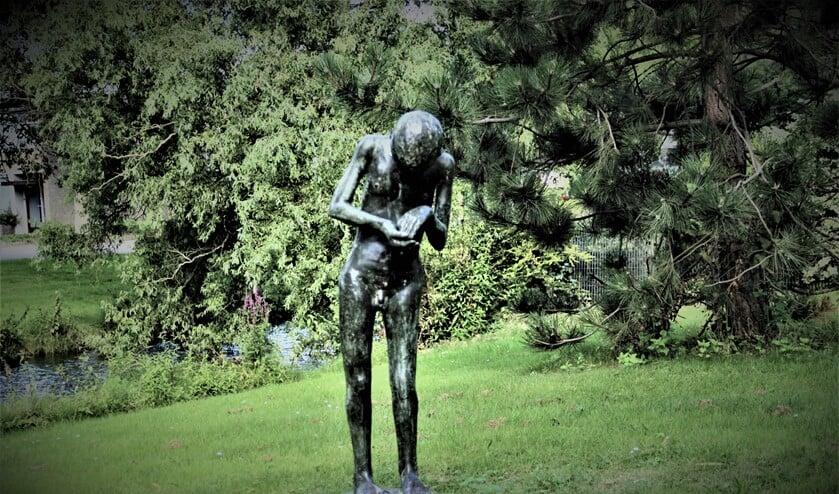 'Staande figuur' (1984) van Ber Mengels (1921-1995) aan de Abraham Douglaslaan in Voorburg (foto: Marian Kokshoorn).