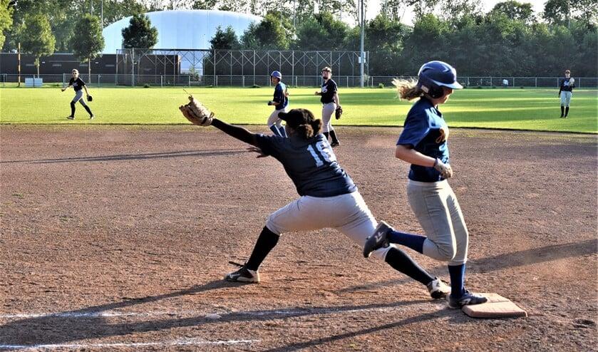 Eerstehonkvrouw Christel Molina van HSV Catch in actie (foto: pr Catch).