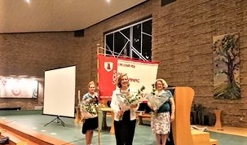 Net als elk jaar werden leden als jubilarissen of voor hun inspanningen in de bloemetjes gezet.