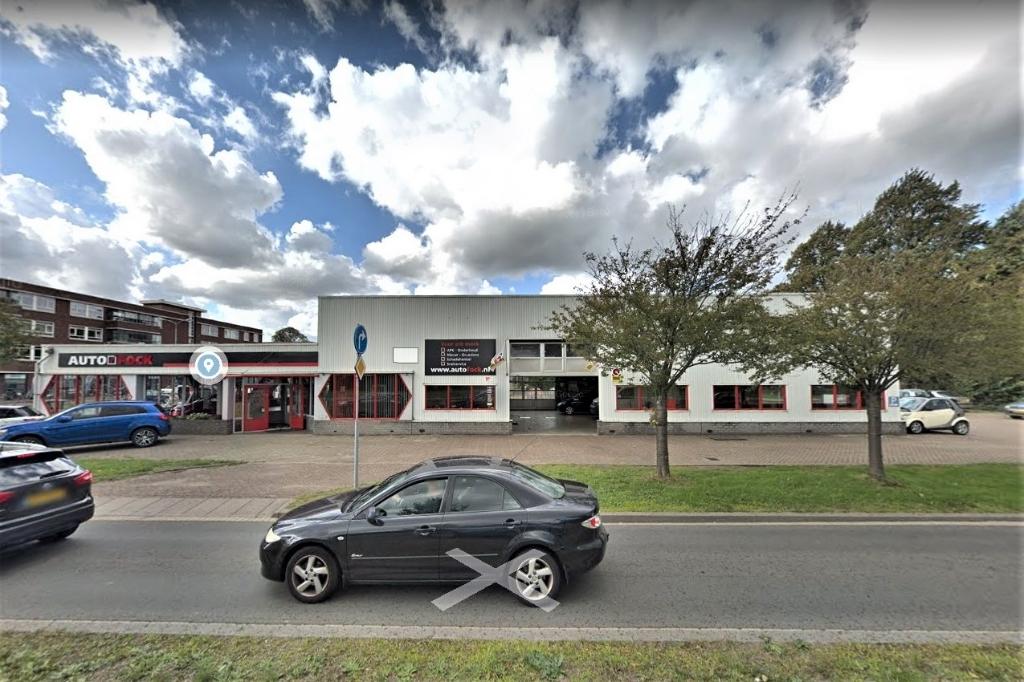 De locatie Oude Trambaan 40 waar Autobedrijf Fock is gevestigd (foto: Google Streetview).  © Het Krantje