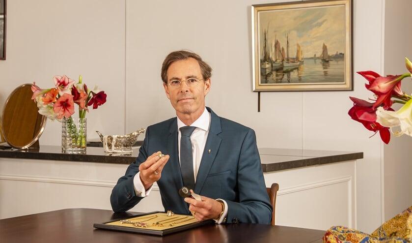 <p>Wie zijn oude sieraden of ander goud en zilver wil verkopen kan terecht bij Chris van Waes.</p>