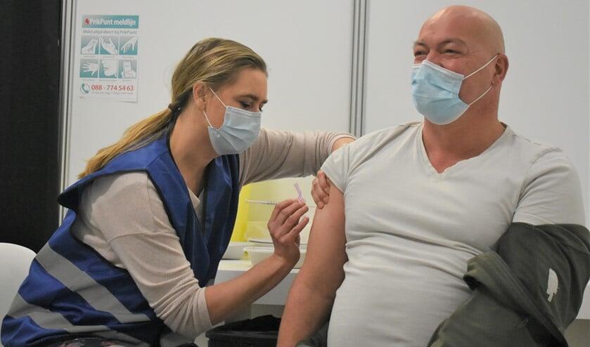 <p>&nbsp;De eerste vaccinaties in onze regio zijn gezet. Foto: Wilma Broch </p>