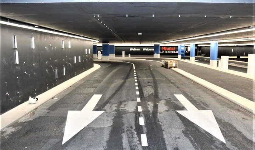<p>In- en uitgang van de parkeergarage (archieffoto: Ap de Heus).</p>