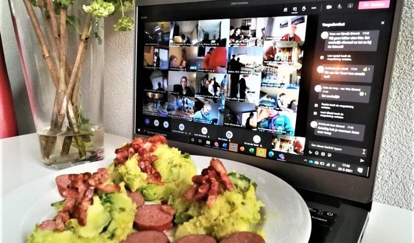 <p>&nbsp;Via de digitale begeleiding van SMHG- top kok Maarten werd er bij de 40 huishoudens een heerlijke spruitjesstamppot gekookt (foto: pr).</p>