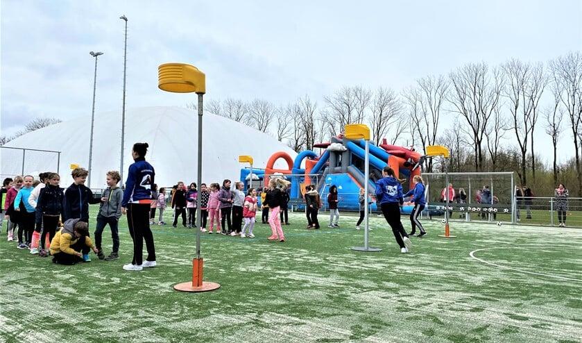 <p>Volop sport en spel bij de open trainingen van korfbalvereniging VEO (foto: pr).</p>
