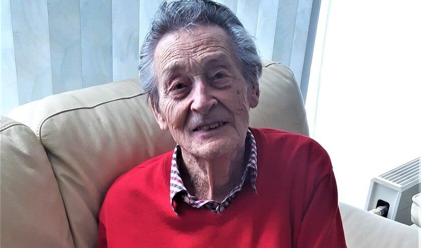 <p>De 93-jarige Hans Valkenburg, geboren in Voorburg en nu woonachtig in Leidschenveen (foto: KW). &nbsp; &nbsp; &nbsp; &nbsp; &nbsp; &nbsp; &nbsp; &nbsp; &nbsp; &nbsp; &nbsp; &nbsp; &nbsp; &nbsp; &nbsp; &nbsp; &nbsp; &nbsp; </p>